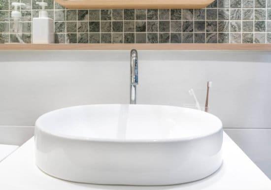 Vasca Da Bagno Materiali : Come scegliere i materiali per il bagno: lavabi e vasche moderne