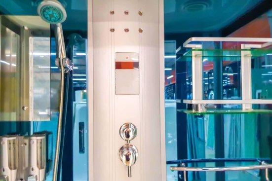 Colonna doccia idromassaggio per momenti di benessere